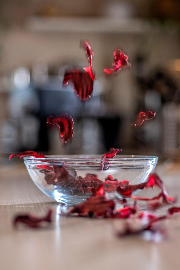 Rote Bete - Chips fliegen durch die Luft