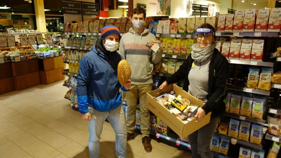 Unser Engagement für mehr Lebensmittelwertschätzung: Abholung von Foodsharing im Denns BioMarkt in Töpen